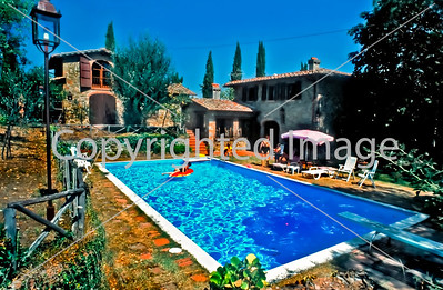 FLORENCE, ITALY - Luxery Villa for Rent to Tourists in Cavriglia, Tuscany. Built-in Swimming Pool.