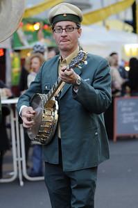 Banjo player, Savigny-Platz, Berlin