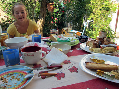 Breakfast table, Nice.