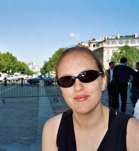 Champs Elysées (Chomp-dess-Ellay, in Australian)