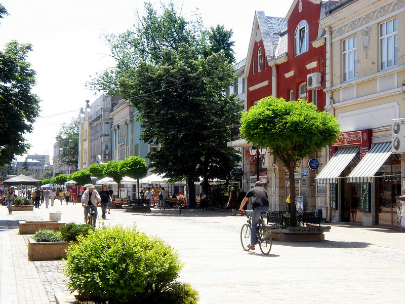 Typical scene on the main pedestrian street / shopping area.