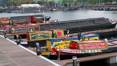 Canal boat basin