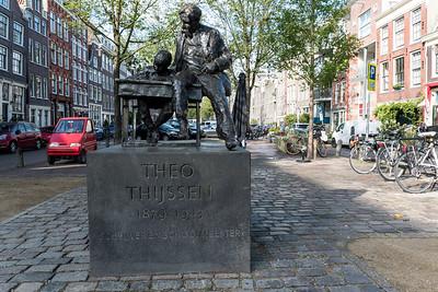 "Theo Thijssen Statue: ""Educator's Moment"", by Dutch artist Hans Bayens (1972)"