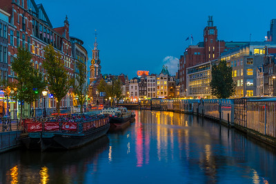 Munttoren (Munt Tower) and the canal along the flower market