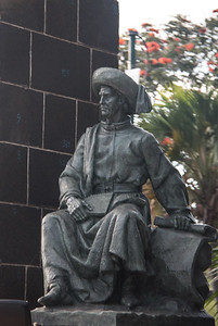 Statue of Henrique the Navigator