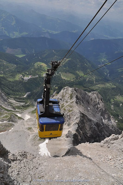 cable car at the Dachstein