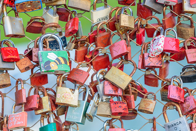 Love Locks, Mozart Bridge