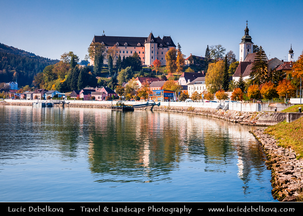 Europe - Austria - Österreich - Upper Austria - Danube River Valley - Greinburg Castle - Schloss Greinburg - Historical Castle, built in late Middle Ages, impressively located atop a hill in Strudengau region