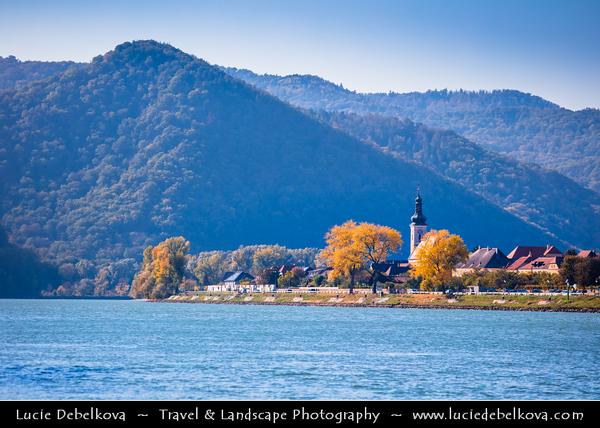 Europe - Austria - Österreich - Lower Austria - Wachau Valley - UNESCO World Heritage Area - One of Austria's most established and notable wine regions - Oberloiben - Unterloiben - Market town with Kirche Unterloiben Church on shore of Danube River