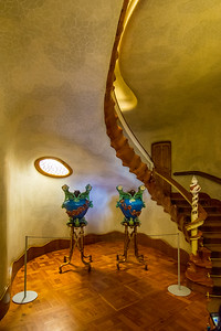 Casa Batlló: the main stairway is like the backbone of some giant snake.