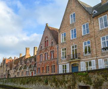 Une Belle Canal De Bruges