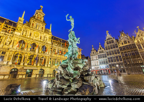 Europe - Belgium - Flanders - Antwerp - Antwerpen - Grote Markt Square with Historic Buildings & Brabo Fountain - Stadhuis & Guildhouses