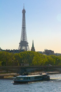 Paris, the banks of the Seine River and the Pont Neuf.  UNESCO #600