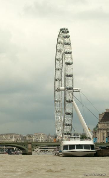 London Eye, almost edge-on.