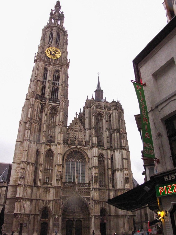 Antwerp's Onze-Lieve-Vrouwekathedraal (Cathedral of Our Lady)