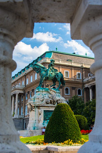 Statue of Prince Eugene of Savoy. Apparently, famous people on horses seem to be popular statues in Budapest.