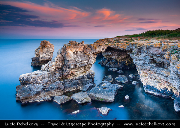 Eastern Europe - Bulgaria - България - East Bulgaria - Dobrich Province - Tuylenovo - Тюленово - Village & seaside resort on the north Bulgarian Black Sea Coast - Gorgeous rocky coast with unique caverns above and under waterEastern Europe - Bulgaria - България - East Bulgaria - Dobrich Province - Tuylenovo - Тюленово - Village & seaside resort on north Bulgarian Black Sea Coast - Gorgeous rocky coast with unique caverns above & under water - Rock Arch