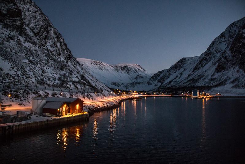 Departing Øksfjord