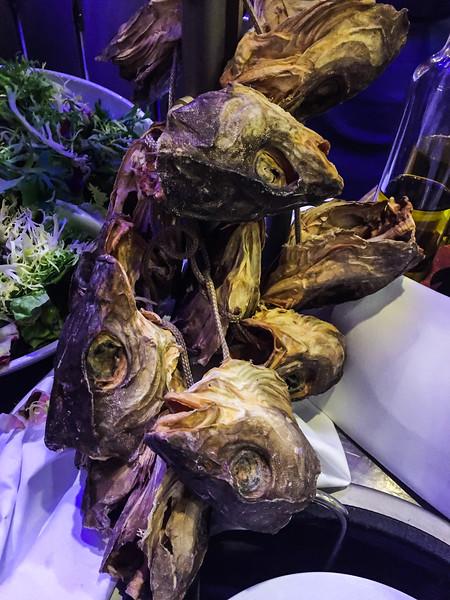 Fish head buffet