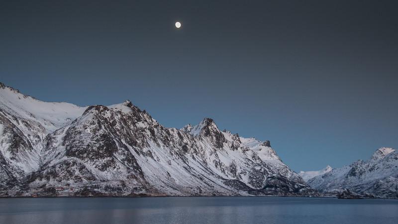 Moon over Raftsundet