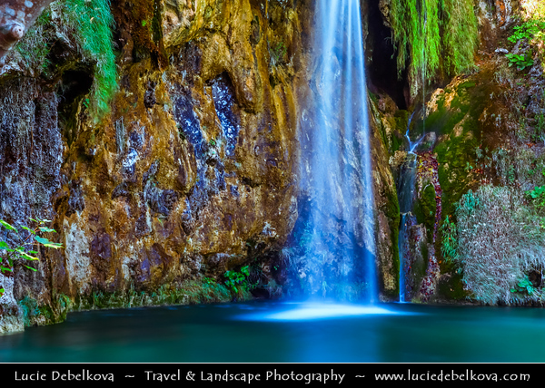 Europe - Croatia - Hrvatska - Plitvice Lakes National Park - UNESCO World Heritage Site - Waters flowing over limestone & chalk have, over thousands of years, deposited travertine barriers, creating natural dams which in turn have created a series of beautiful lakes, caves and waterfalls
