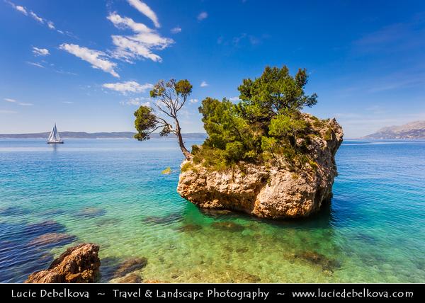 Europe - Croatia - Hrvatska - Central Dalmatia - Adriatic Coast - Makarska Rivijera - Brela Island - Kamen Brela - Brela Stone - Small rock island on the Punta Rata beach