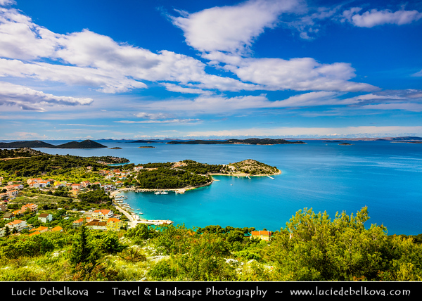 Europe - Croatia - Hrvatska - Dalmatia - Drage - Pittoresque town on Adriatic Sea Coast
