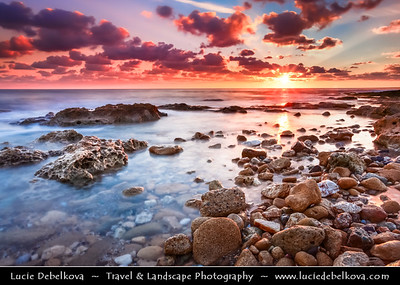 Cyprus - Κύπρος - Kýpros - The third largest island in the Mediterranean Sea - Paphos - Πάφος - Pafos - Baf - Rocky beach at Sunset