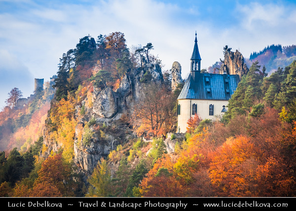 Europe - Czech Republic - Czechia - Bohemian Paradise - Český ráj - Protected Area & first nature reserve - UNESCO Geopark - Scenic area with bizarre rock formations - Malá Skála - Vranov-Pantheon - Ruins of Vranov Pantheon Castle on rock cliff within Vranov Ridge during fall with warm autumn colors
