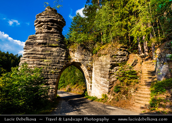 Europe - Czech Republic - Bohemia - Bohemian Paradise - Český ráj - Protected Area &  first nature reserve - UNESCO Geopark - Scenic area with bizarre rock formations - Pekařova brána - Baker's Gate - Gothic style gate carved out from a sandstone rock