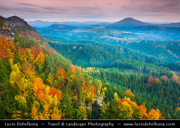 Europe - Czech Republic - Bohemia - České Švýcarsko Národní park - Bohemian Switzerland National Park - Hilly climbing area around the Elbe valley - Elbe/Labe Sandstone Mountains - Bizarre & intriguing landscape with huge, smooth rocks & deep, narrow valleys & gorges during autumn