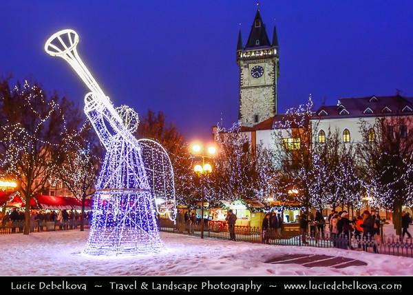 Europe - Czech Republic - Bohemia - Prague - Praha - Historical Centre - Prague Old Town - Staré Město Pražské - UNESCO World Heritage Site - Old Town Square - Staroměstské náměstí - Christmas Markets under cover of snow - Vánoční trhy