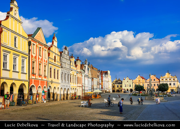 Europe - Czech Republic - Moravia - Telč - UNESCO World Heritage Site - Historical town founded in 13th century as a royal water fort on the crossroads of busy merchant routes between Bohemia, Moravia and Austria - Namesti Zachariase z Hradce - Main historical square with famous 16th-century houses