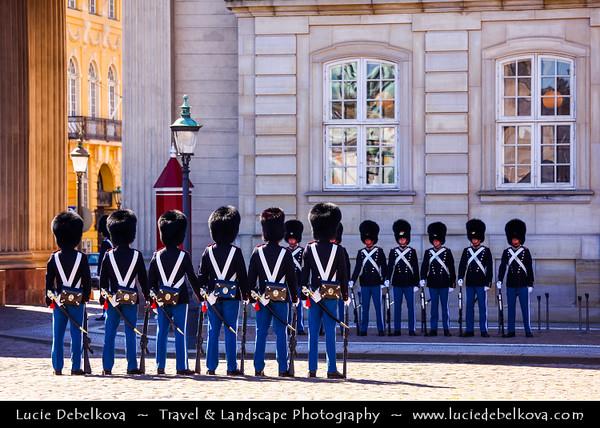 Denmark - Copenhagen - Kopenhagen - København - Køpmannæhafn - Köpenhamn - Capital City - Royal Guard in Amalienborg Palace