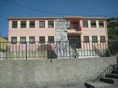 statue_building
