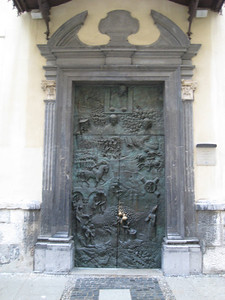 church_door_3