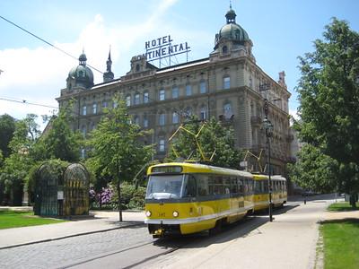 hotel_tram