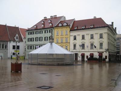main_square_4