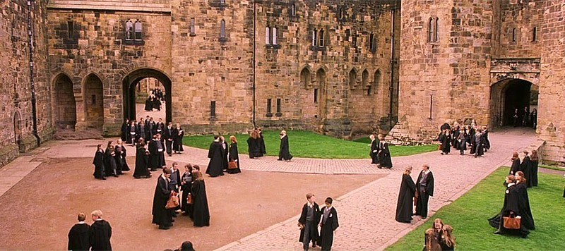 Hogwarts' School of Wizardry scene from Harry Potter movie, using same courtyard as seen in previous photo