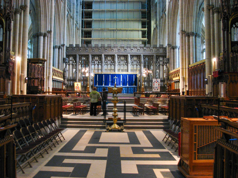 Yorkminster quire and altar