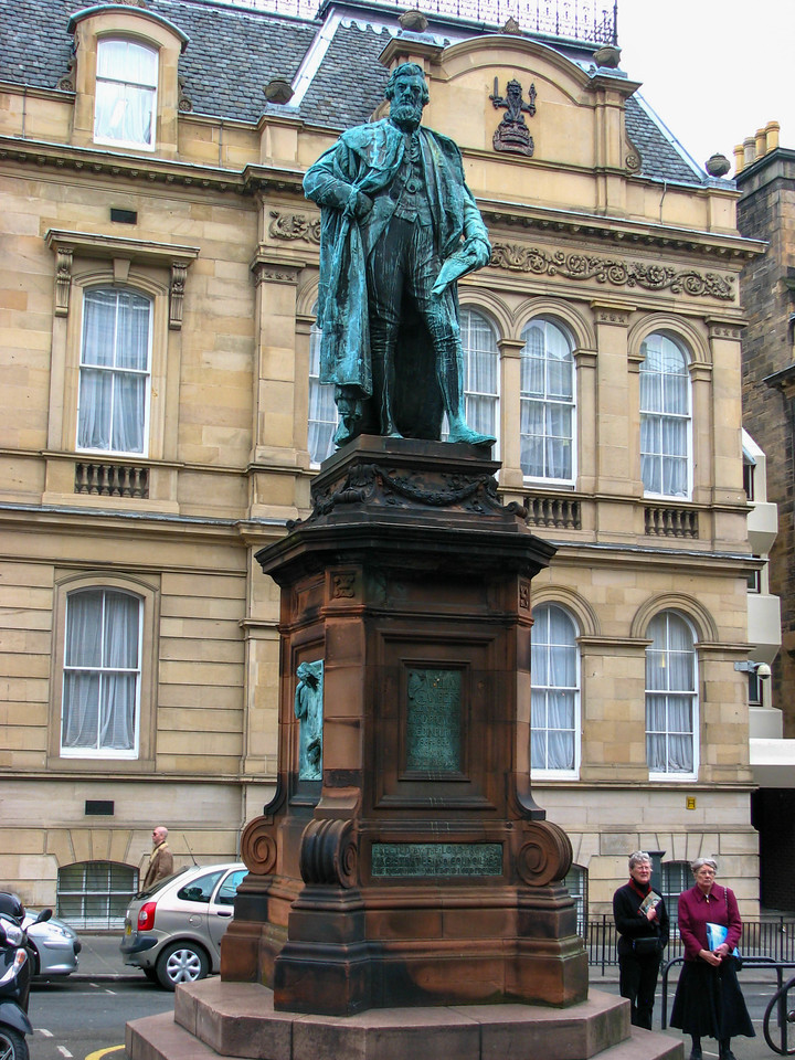 Statue across from the Museum of Scotland