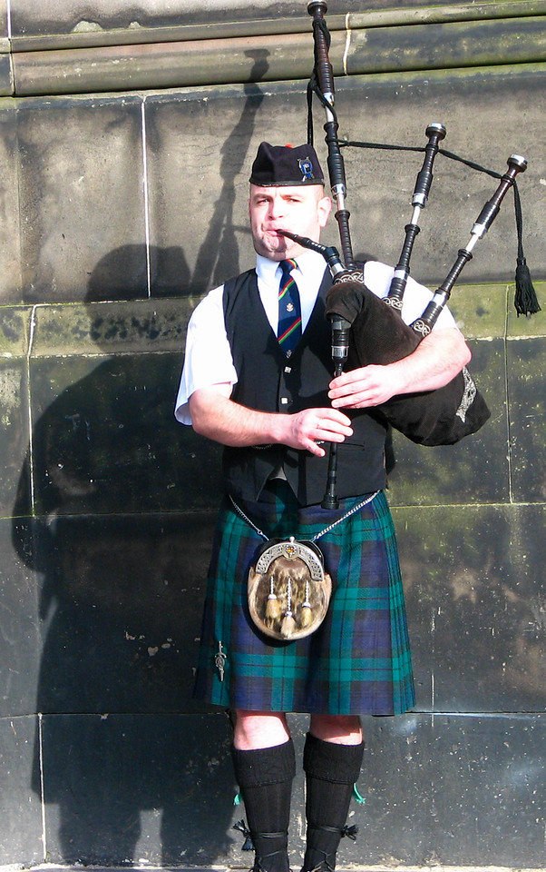Bagpiper in front of St. Gile's Cathedral