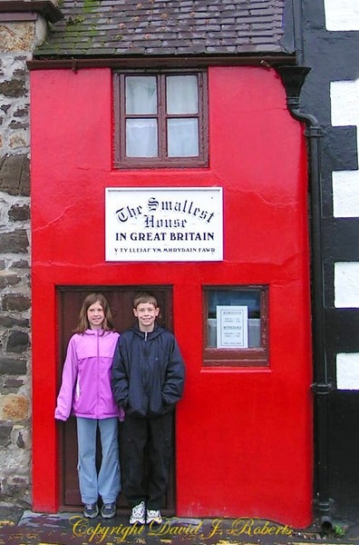 The Smallest House in Great Britain, Wales
