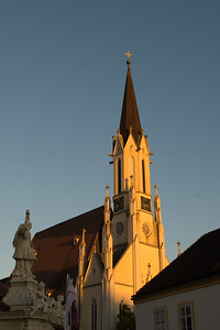 The Pfarrkirche at sunset.