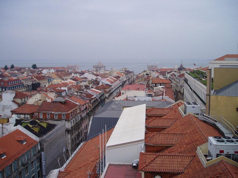 An overcast morning in Lisbon