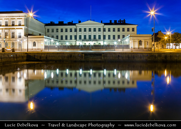 Finland - Helsinki - Helsingfors - Market Square - Kauppatori - Salutorget - Central square in Helsinki & one of the most famous market places & tourist attractions in the city - Dusk - Blue Hour - Twilight