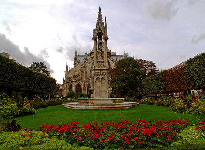 Notre Dame Cathedral from Square Jean XXIII