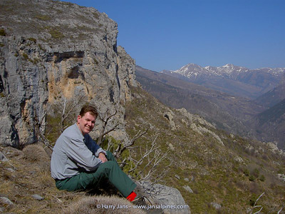 Harry & habitat Primula allionii (view Col de Tende)