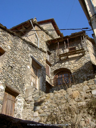very old houses in Tende