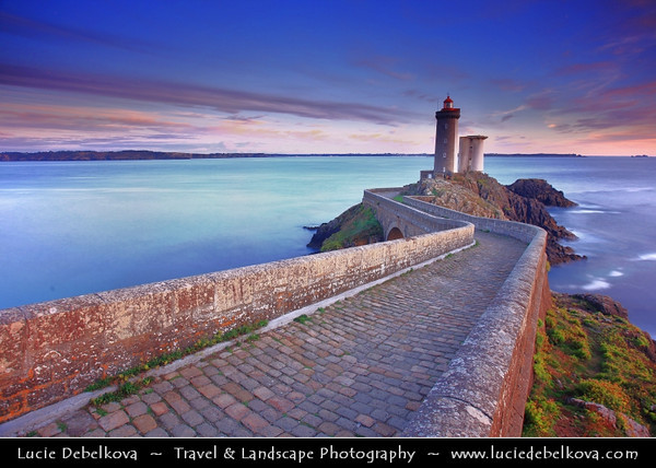 Europe - France - Bretagne - Brittany - Plouzané - Phare du Petit Minou lighthouse in the roadstead of Brest standing in front of the Fort du Petit Minou